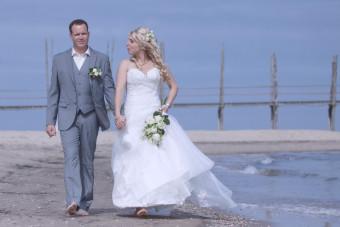 Bruiloft Lilian en Niek op het strand